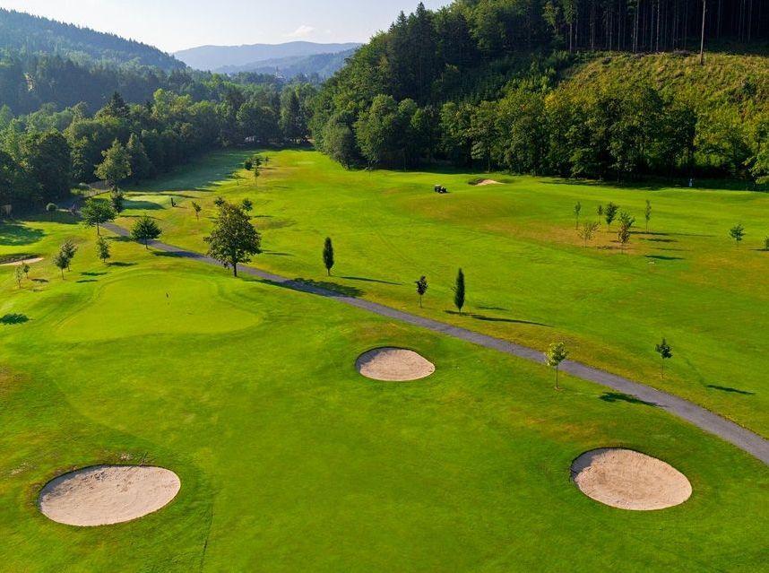 Kde si užít začátek golfové sezóny?