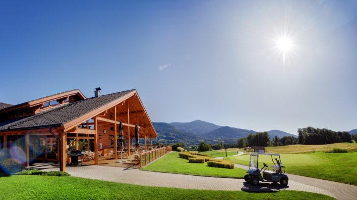 Zažijte golfovou dovolenou v Česku: Nabízíme první tip