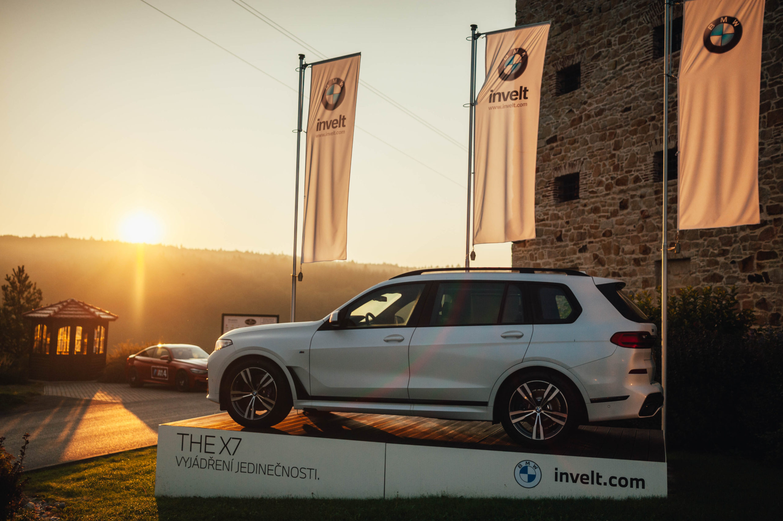8. ročník golfového turnaje BMW Invelt proběhl za krásného slunečného počasí již tradičně na Dýšině